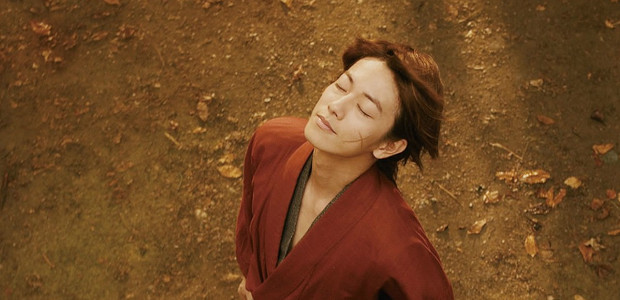 Takeru Sato como o samurai Kenshin Himura