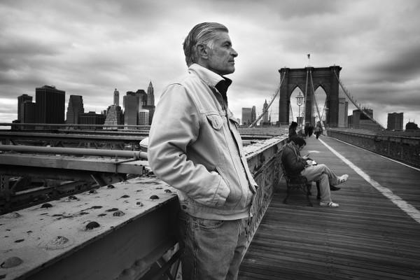Retrato do fotógrafo James Nachtwey